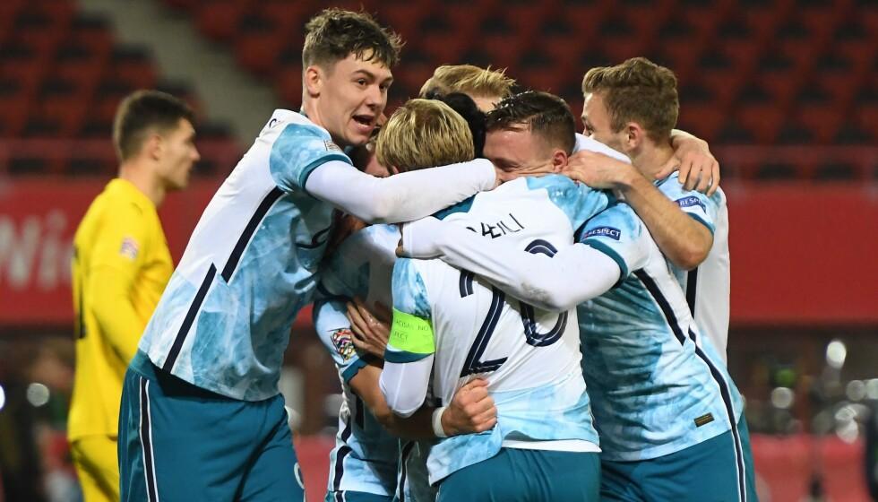 JUBEL: Norge feirer 1-0-scoringen til Ghayas Zahid. Foto: NTB