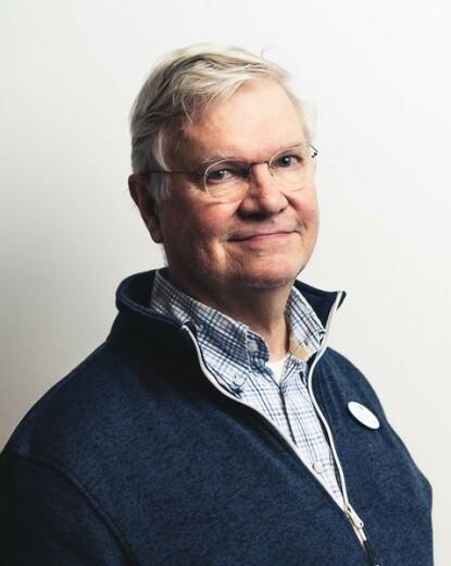 SØVNEKSPERT: Professor Markku Partinen. Foto: Uniklinikka
