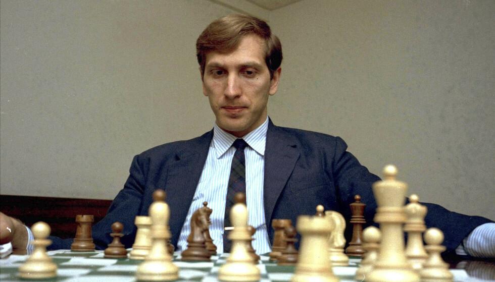 LEGENDE: Bobby Fischer regnes som én av de tre største i sjakkhistorien, sammen med Garry Kasparov og Magnus Carlsen. Foto: NTB