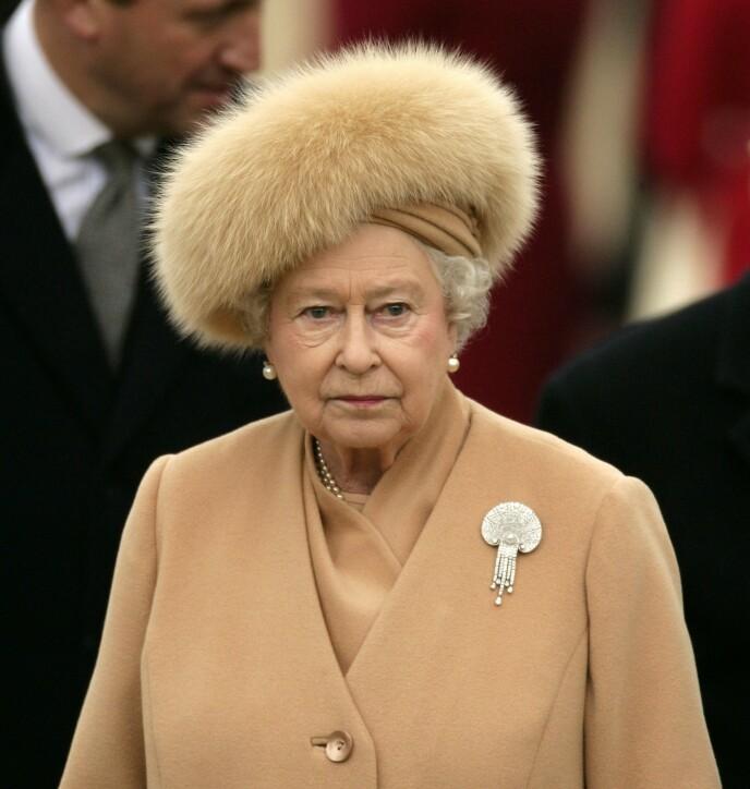 - SKUFFET: Ifølge dronningas kusine skal monarken ha vært skuffet over hvordan kongefamilien ble framstilt i 2011-dokumentaren om Nerissa og Katherine Bowes-Lyon. Foto: Rex / NTB