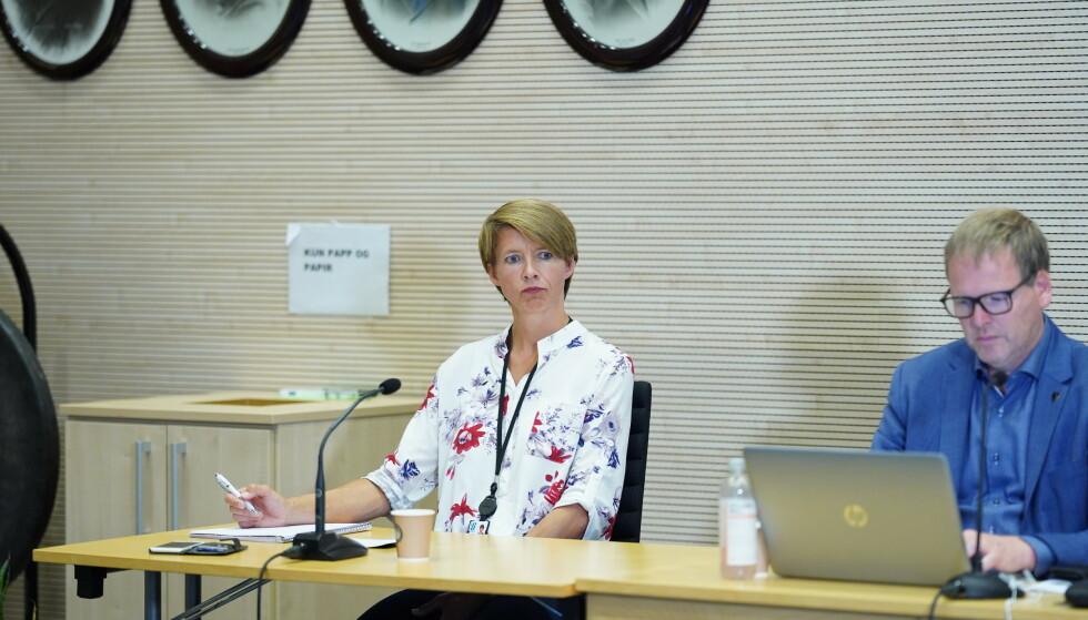 UOVERSIKTELIG: Kommunikasjonssjef Mimi Slevigen forteller at kommunen hadde 14 nye tilfeller torsdag. Foto: Fredrik Hagen / NTB