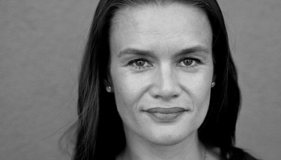 KRISEDIKT: Ruth Lillegraven skriver godt om hvordan coronakrisa påvirker henne, både som forfatter, ektefelle, mor, medmenneske og individ. Foto: Paal Audestad