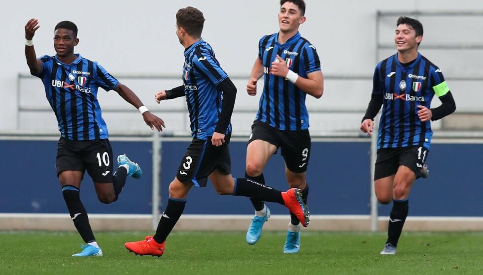 STORTALENT: Amad Diallo (til venstre) feirer scoring for Atalanta i UEFA Youth League i 2019. Foto: Paul Currie/BPI/Shutterstock/NTB