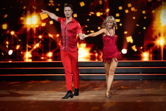 HETT: Det røyk bokstavelig talt av Andreas og Mai sin andre dans. Foto: Espen Solli / TV 2