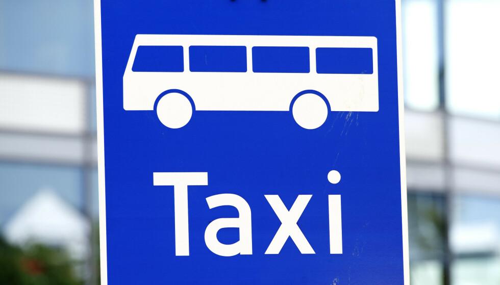 DROPPER FESTKJØRING: Taxitjenesten i Gudbrandsdalen har satt en midlertidig stopper for kjøring til og fra fester og sosiale sammenkomster på kveldstid. Illustrasjonsfoto: Gorm Kallestad / NTB