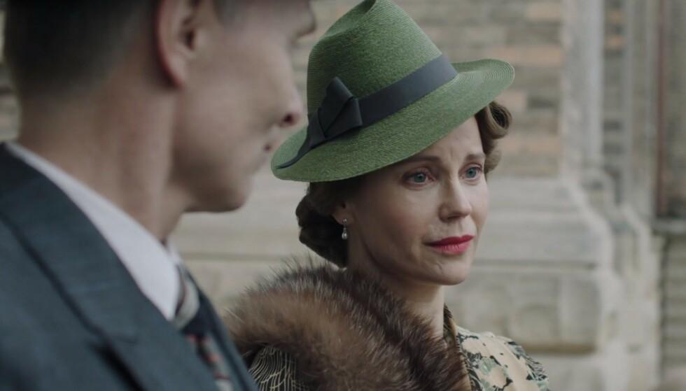 VELDEDIG ARBEID: I NRKs ukentlige faktasjekk av dramaserien forklares det at kronprinsessen tok inn krigsseilere. Skjermdump: NRK