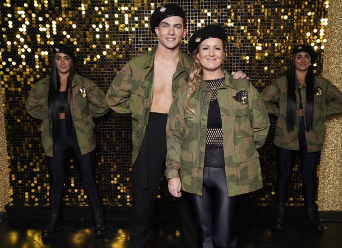 DANSEPARTNERE: Tarjei Svalastog var Siri Kristiansens dansepartner i årets sesong av TV 2-programmet. Her er de to avbildet med influenserne Vita og Wanda Mashadi. Foto: Espen Solli / TV 2