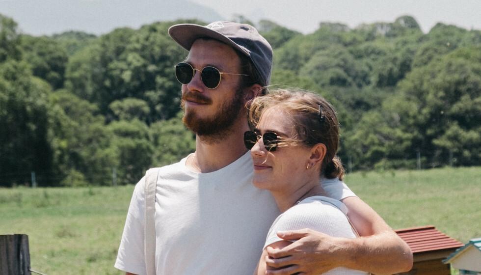 FORVIRRET: Kjæresteparet Margot og Daniel synes det er vanskelig å forstå helsemyndighetenes innreiseregler. Foto: Privat