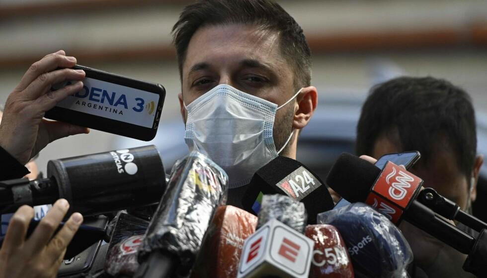 SNAKKER UT: Matias Morla, Maradonas agent, har kommet med sterke anklager etter vennens død. Foto: NTB