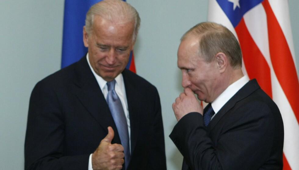 MORSOMT?: Nei, ikke egentlig. Joe Biden og Vladimir Putin i 2011. Foto: AP / NTB