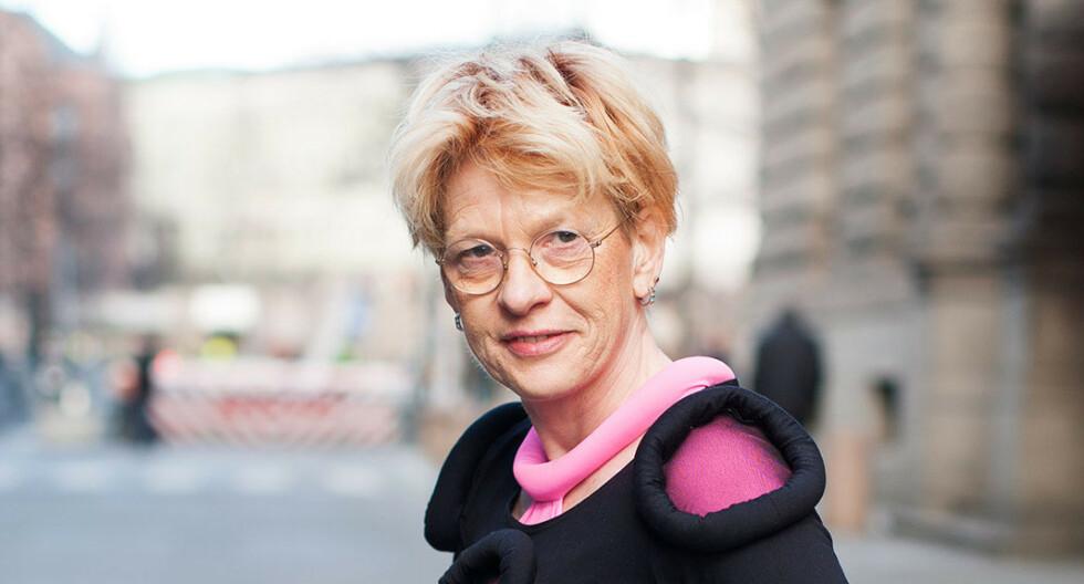 BRAGEPRISEN: Den prisbelønte forfatteren gikk bort i sommer. Nå er hun tildelt Brageprisen for romanen «Jeg foreslår at vi våkner», som ble utgitt få måneder før hennes bortgang. Foto: Cappelen Damm