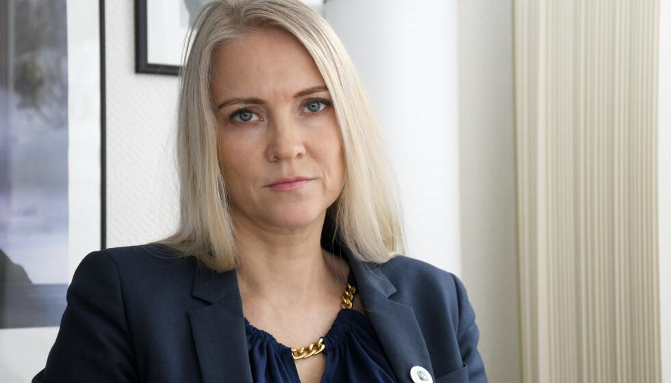 BEKYMRET: Leder i Sykepleierforbundet; Lill Sverresdatter Larsen, er bekymret for den store mangelen på intensivsykepleiere og den økte arbeidsmengden det fører til for enkelte. Foto: Rune Stoltz Bertinussen / NTB