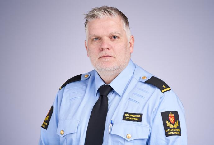 FØLGER OPP: Johan-Edvin Throndsen, seksjonsleder ved Politiets utlendingsinternat, vil ta med seg kritikken mot helsetjenesten videre i driften, og se nærmere på avtalen med Legetjenester A/S. Foto: PU
