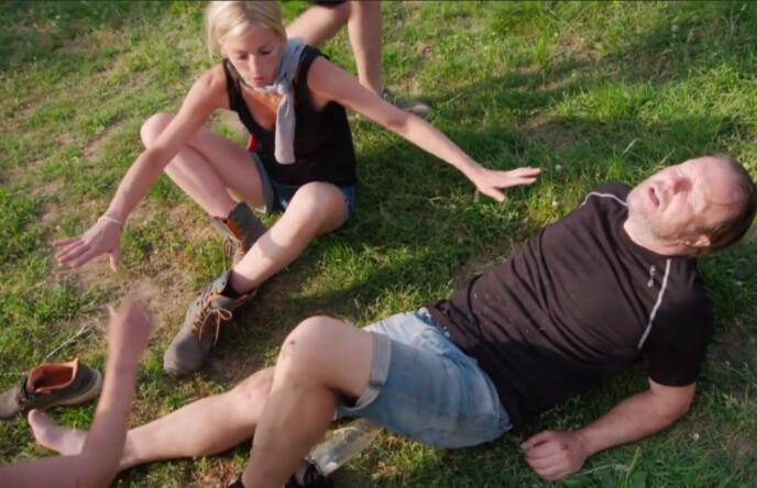 UHELDIG: Svein Østvik ble utsatt for en dramatisk ulykke under deltakelsen i TV 2-programmet for to år siden. Her med modell Kathrine Sørland like etter ulykken. Foto: TV 2