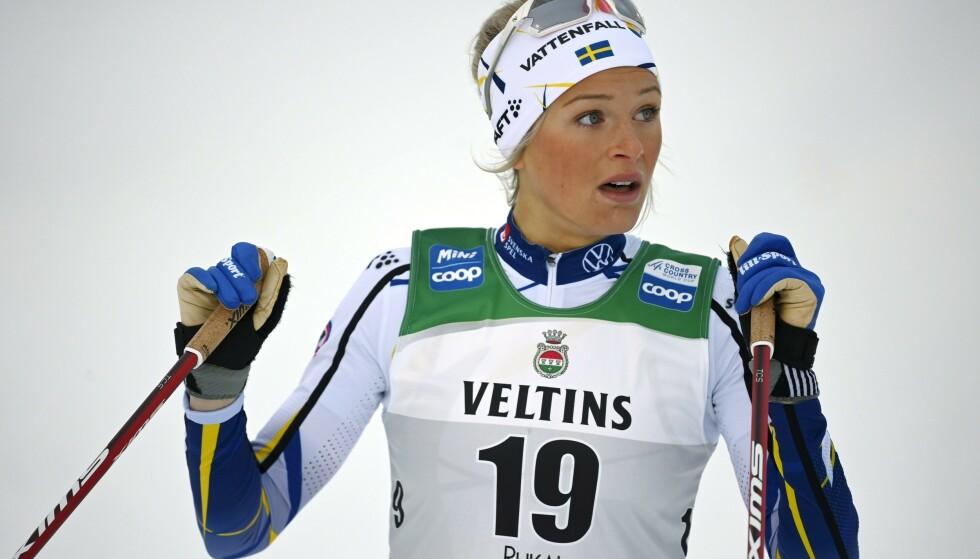 BLIR HJEMME: Frida Karlsson og resten av det svenske laget. Foto: NTB
