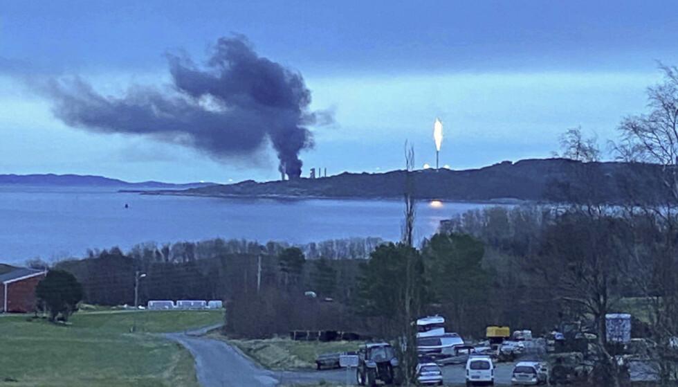 BRANN: Det brøt ut nok en brann på et Equinor-anlegg i ettermiddag. Bellona mener en alvorlig hendelse kan være nært forestående på et av selskapets anlegg i Norge. Foto: Øyvind Kvammen / NTB