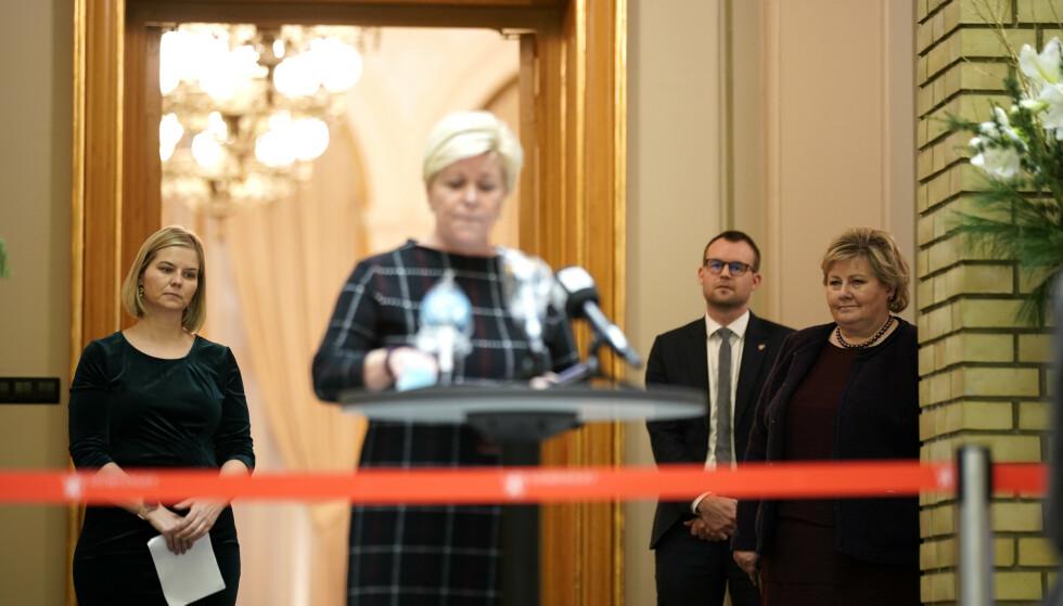 KJEFT Å FÅ: De var nettopp blitt enige, men Siv Jensen gikk likevel til frontalangrep på avtalepartnerne sine da budsjettenigheten ble presentert tirsdag kveld. Foto: NTB