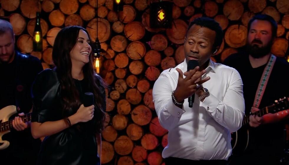 SEXY R'N'B: Tshawe Baqwa fikk med seg Marion Ravn på Silyas «Last Night» til slutt i kveldens «Hver gang vi møtes - jubileum». Vi anmeldte låtene fortløpende. Foto: TV 2