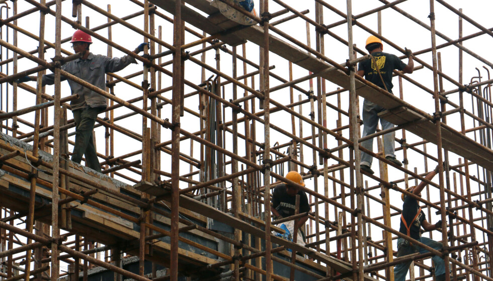 INDUSTRIAL BOARD: Several major construction projects and increased steel production have led to much higher activity in China.  Photo: Reuters / NTB / Scanpix.