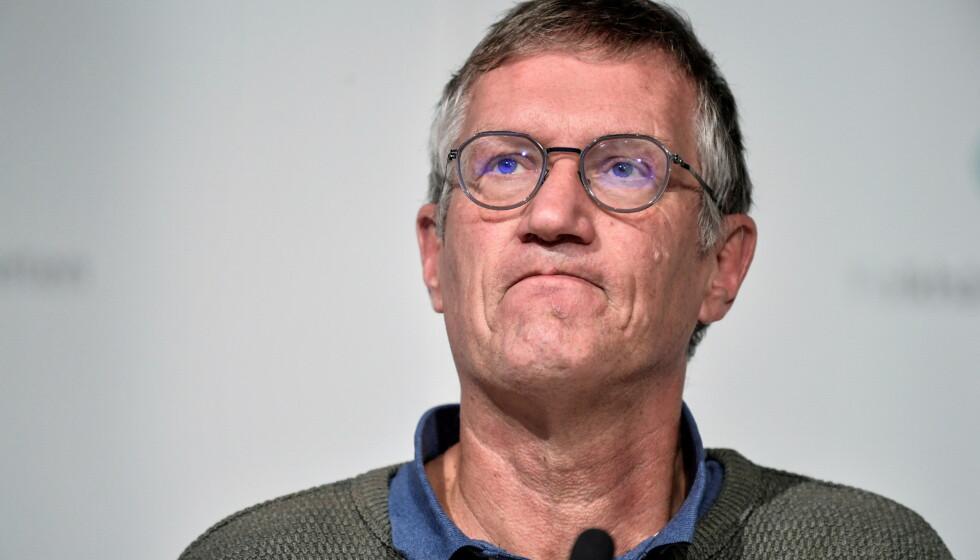 VED RORET: Sveriges mektige statsepidemiolog Anders Tegnell har overoppsynet med pandemibekjempelsen. Foto: Anders Wiklund / TT / Reuters / NTB