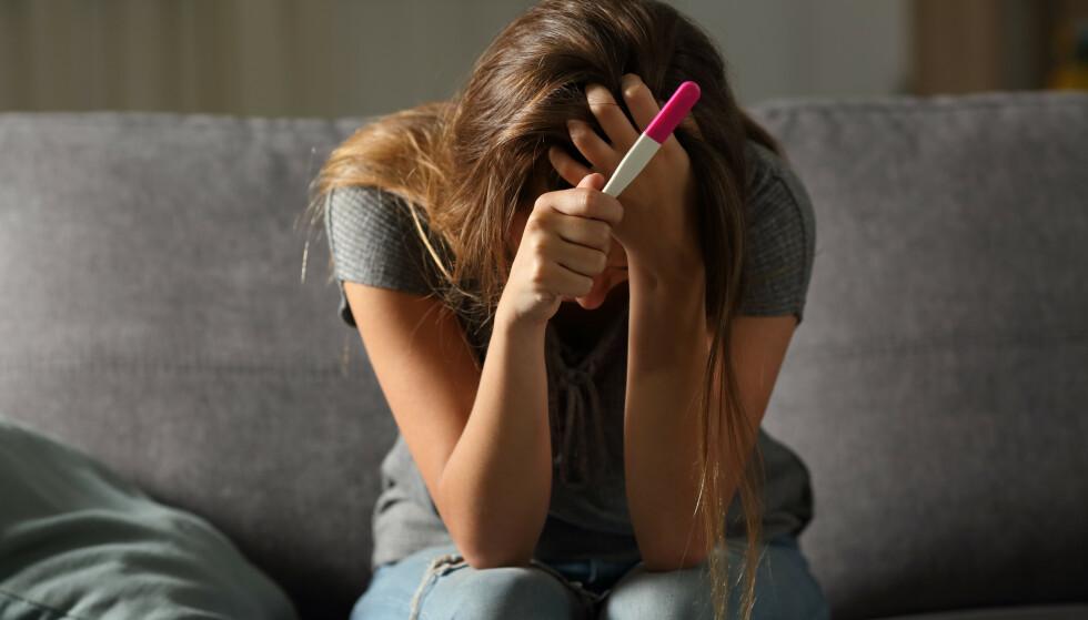 UKJENT FOR MANGE: Det er uakseptabelt at sykdommer, som kan medføre store smerter og stoppe drømmen om barn for mange kvinner, kan være både helt vanlig og så totalt ukjent på én og samme tid, skriver innenderne. Foto: Shutterstock / NTB