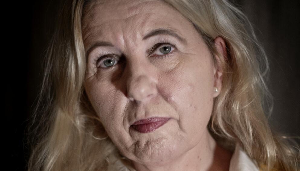 ALZHEIMER: Jannicke Granrud fikk påvist alzheimer tidlig i 50-årene. Sykdommen utvikler seg raskt. Foto: Linda Næsfeldt