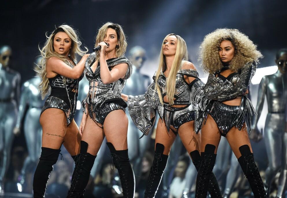 GIR SEG: Jesy Nelson (t.v.) meddeler at hun forlater musikkgruppa Little Mix etter ni år. Her er hun avbildet med de resterende medlemmene Perrie Edwards, Jade Thirwall og Leigh-Anne Pinnock i 2017. Foto: Shutterstock Editorial / REX / NTB