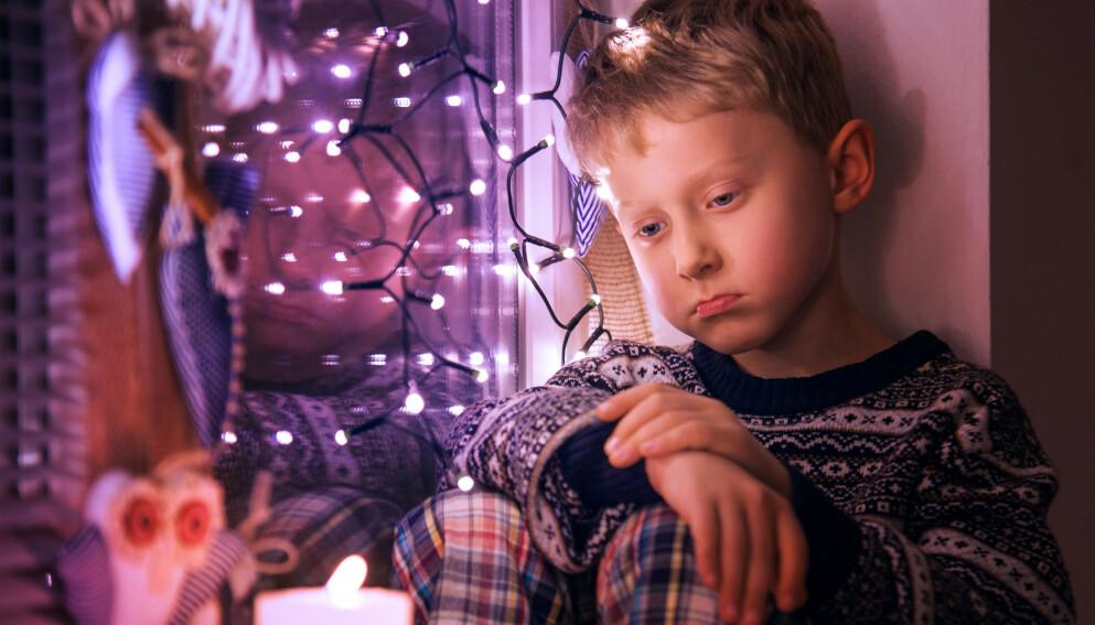 SLIPP JULA INN: Prøver du å stenge for det triste, stenger du samtidig for gleden, mener relasjonspedagog. Foto: NTB