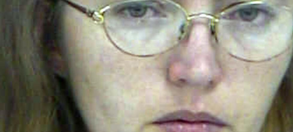 Skar ut foster: Nå skal Lisa henrettes