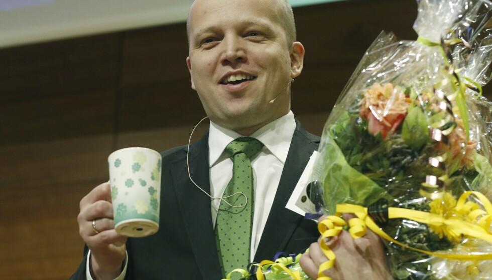 LEDER: 35 år gammel blir Trygve Slagsvold Vedum valgt til ny leder under det ekstraordinære landsmøtet i Senterpartiet i 2014. Kaffekopp-strategien dukket opp samtidig. Foto: Terje Bendiksby / NTB