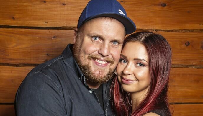 FAMILIE: Stian og Tina har vært et par siden 2013, og har ett barn sammen. Foto: Tore Skaar
