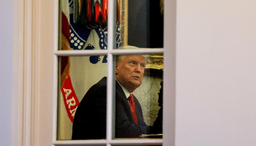 REDDE MEDARBEIDERE: Seniormedarbeidere i Trump-administrasjonen skal i økende grad være redde for at Trump misbruker makta si i et forsøk på å omgjøre valgresultatet, skriver Axios. Foto: Carlos Barria / Reuters / NTB
