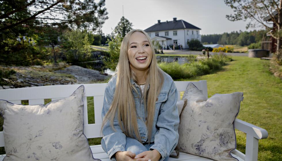 AGNETE SABA: Artisten har høstet ros for sin åpenhet om psykisk helse. Her fra lanseringen av deltagere til 2021-sesongen av «Hver gang vi møtes». Foto: Kristian Ridder-Nielsen / Dagbladet