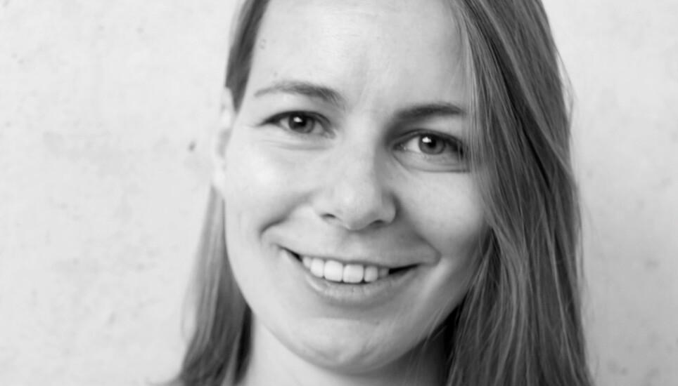 DIKTDEBUTANT: Karoline Brændjord debuterer med diktsamlingen «Jeg vil våkne til verden», og lykkes svært godt med en ekstremt vanskelig oppgave, ifølge anmelderen. Foto: KOLON / MAY THERESE VORLAND