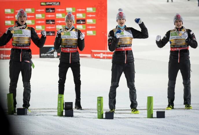 GULL: Norge tok gull i lagkonkurransen i skiflygings-VM. Fra venstre: Daniel-André Tande, Johann André Forfang, Robert Johansson og Halvor Egner Granerud. Foto: NTB