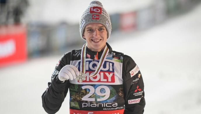 SØLV: I tillegg til gullet i lagkonkurransen, sørget Halvor Egner Granerud for sølv i det individuelle rennet i skiflygings-VM. Foto: NTB