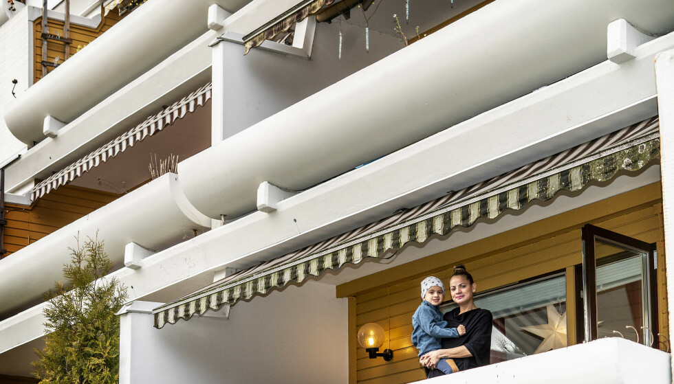JULAFTEN 2020: Adrian og mamma Carla skal feire hjemme aleine til mor er ferdig med karantene etter corona-smitte. Foto: Hans Arne Vedlog / Dagbladet.