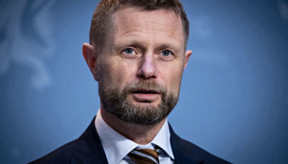 UROVEKKENDE UTVIKLING: Helseminister Bent Høie ber nordmenn være forberedt på at det kan komme nasjonale innstramminger i jula. Foto: Bjørn Langsem / Dagbladet