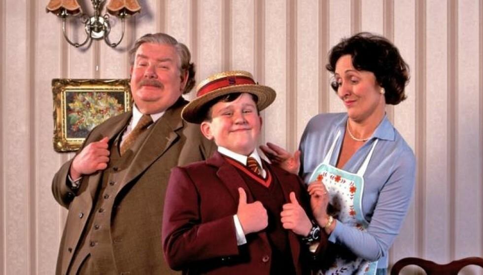 UBEHAGELIG FAMILIE: Vernon, Dudley og Petunia Dudley gjorde ikke livet lett for Harry Potter. Foto: Warnes Bros/SF Studios/NTB