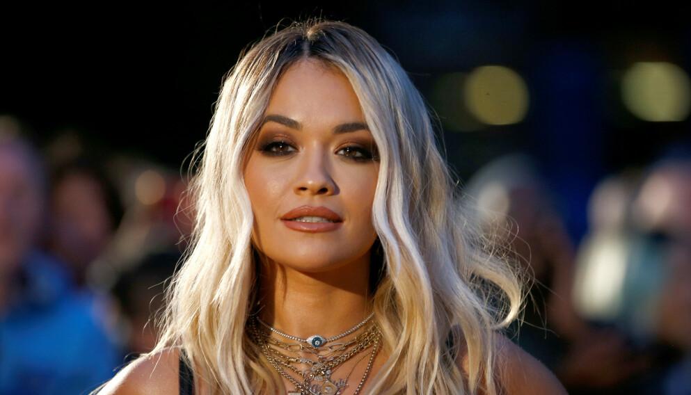 REDD: Den britiske artisten Rita Ora er livredd for å arve moras kreftdiagnose. Foto: Henry Nicholls / REUTERS / NTB