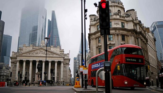 STILLE: London er for tida en rolig by, etter at den få dager før jul ble underlagt de strengeste restriksjonene før full nasjonal nedstengning. Her fra mandag 28. desember. Foto: Tolga Akmen / AFP / NTB
