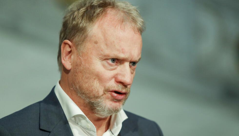 AVLYS: Oslos byrådsleder Raymond Johansen mener at man må avlyse nyttårsfesten om man ikke kan overholde meteren. Foto: Terje Bendiksby / NTB