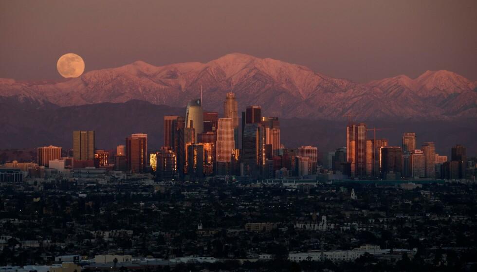 CORONAVIRUSET: USA har passert nok en dyster milepæl. Delstaten California er nå på «randen av katastrofe», ifølge helsedirektør Christina Ghaly. Foto: Ringo H.W. Chiu/AP/NTB.
