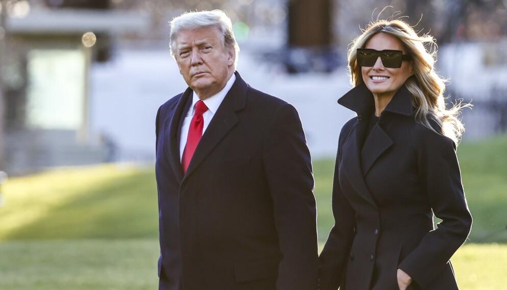 SKANDALEFEST: På nyttårsaften arrangerte Donald og Melania Trump sin tradisjonsrike nyttårsfest på Mar-a-Lago i Florida. Festen har siden blitt utskjelt, og nå skal en festdeltaker ha fått sparken. Foto: AFP / NTB