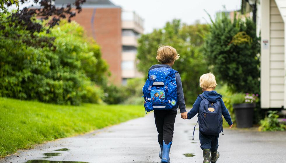 - SMITTER: Professor og lege Steinar Westin mener man må bli mer bevisst på at barn også bidrar til smittespredning. Foto: Håkon Mosvold Larsen / NTB