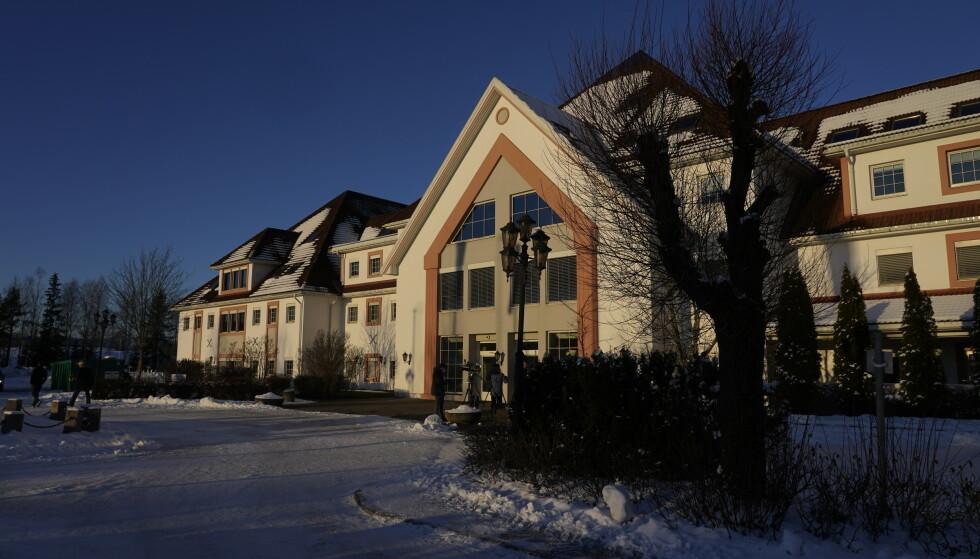 SMITTE PÅVIST: Det er tirsdag påvist smitte på Olavsgaard hotell hos en av de evakuerte etter raset i Ask. Foto: Lise serud / NTB /
