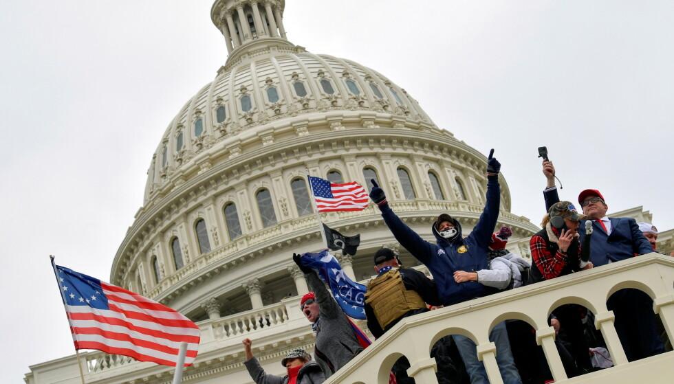 EGGET TIL KAMP: President Donald Trump egget tilhengerne sine til å ta makta tilbake i forkant av opptøyene i Capitol Hill. Eksperter sier de ser sterke likhetstrekk mellom det som skjer akkurat nå og det som har skjedd i Øst-Europa. Foto: Jack Gruber/ USA Today / Reuters / NTB Scanpix