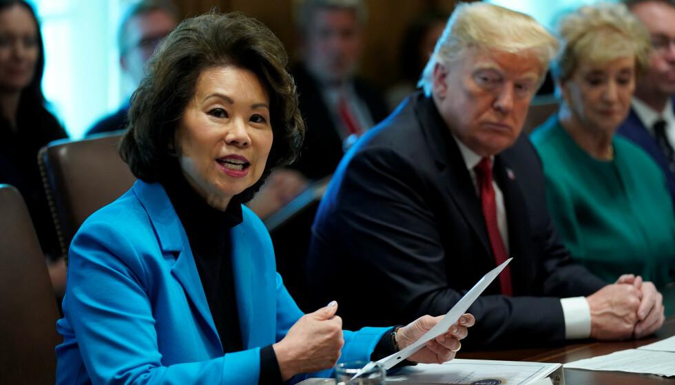 GÅR AV: Transportminister Elaine Chao varsler i dag at hun går av etter angrepet på kongressen i går. Foto: Kevin Lamarque / Reuters / NTB