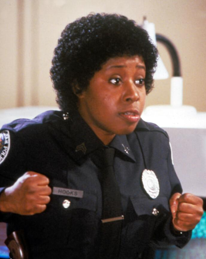 BETJENT HOOKS: Marion Ramsey gjorde flere gjesteopptredener som signaturrollen sin i ettertid. Foto: Moviestore/REX/NTB