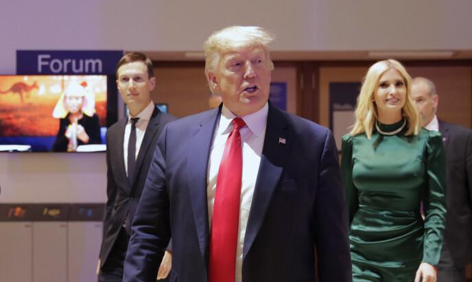 JOBBER TETT: Ivanka Trump og Jared Kushner har jobbet tett med presidenten de siste fire åra. Foto: Markus Schreiber / AP